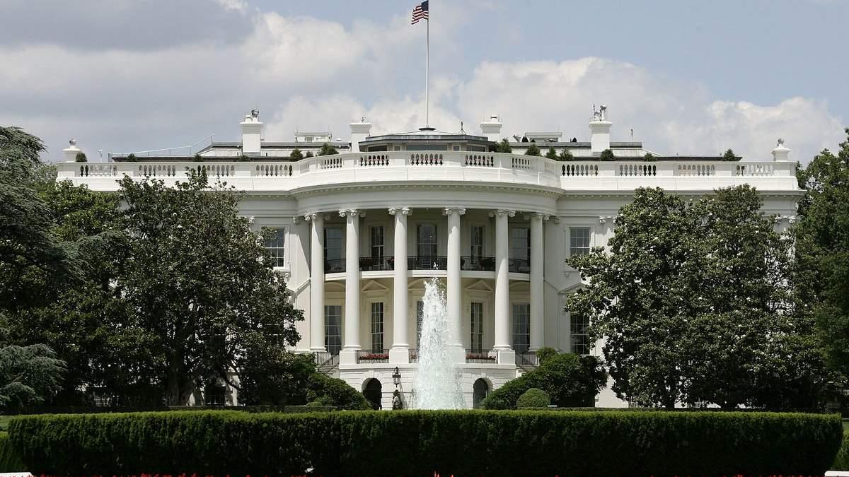 Білий дім перетворився на розсадник коронавірусу