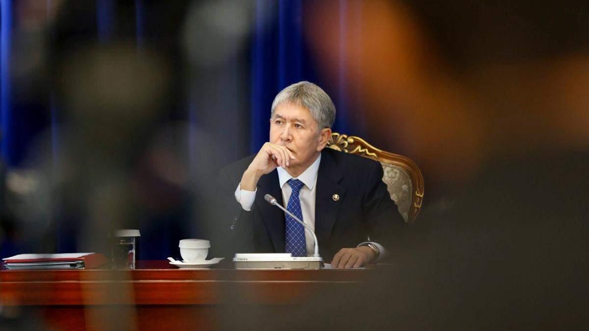 В Кыргызстане совершено покушение на експрезидента Алмазбека Атамбаева