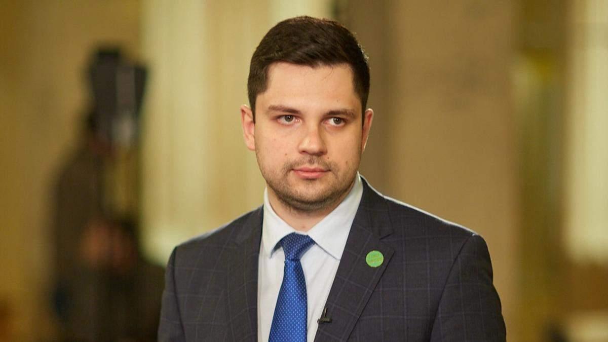 Депутат від слуг не проти закупівлі російської вакцини від COVID-19