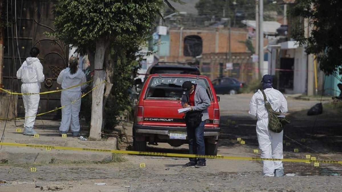 У Мексиці невідомі закидали гранатами будинок: багато жертв – фото