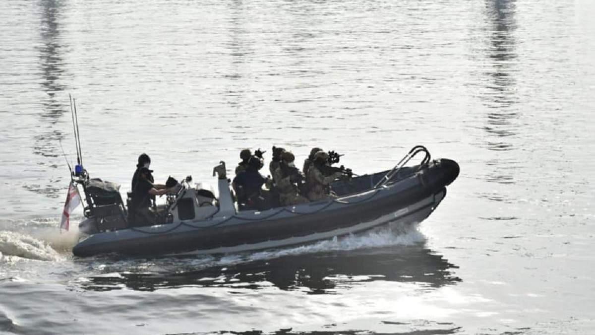 Украинские военные тренировались на британском эсминце: фото