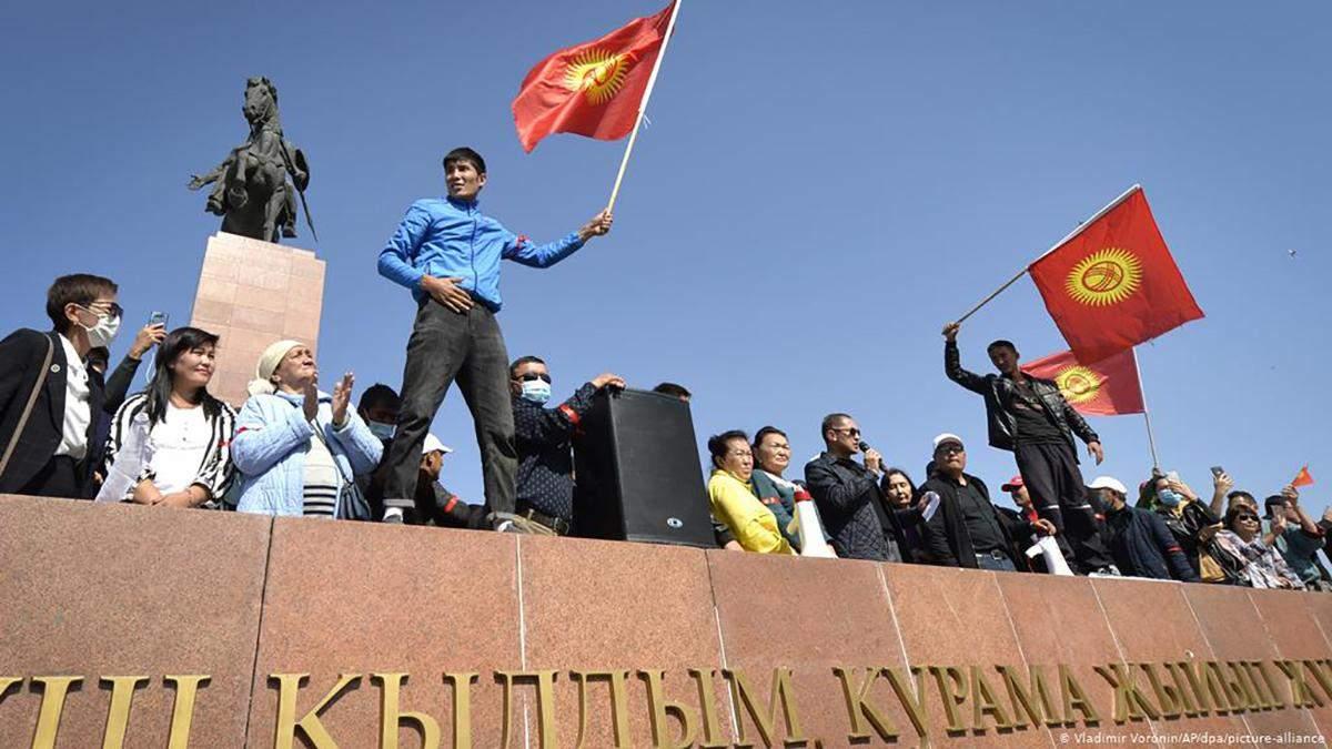 У столиці Киргизтану Бішкеку запровадили комендантську годину