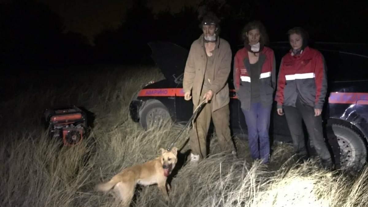 У Запоріжжі врятували собаку, який 5 місяців не міг вибратися з шахти