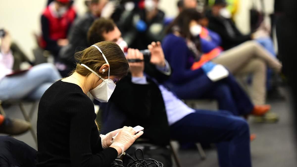 Раді пропонують штрафувати за пропуск людей у приміщення без масок: який розмір штрафу