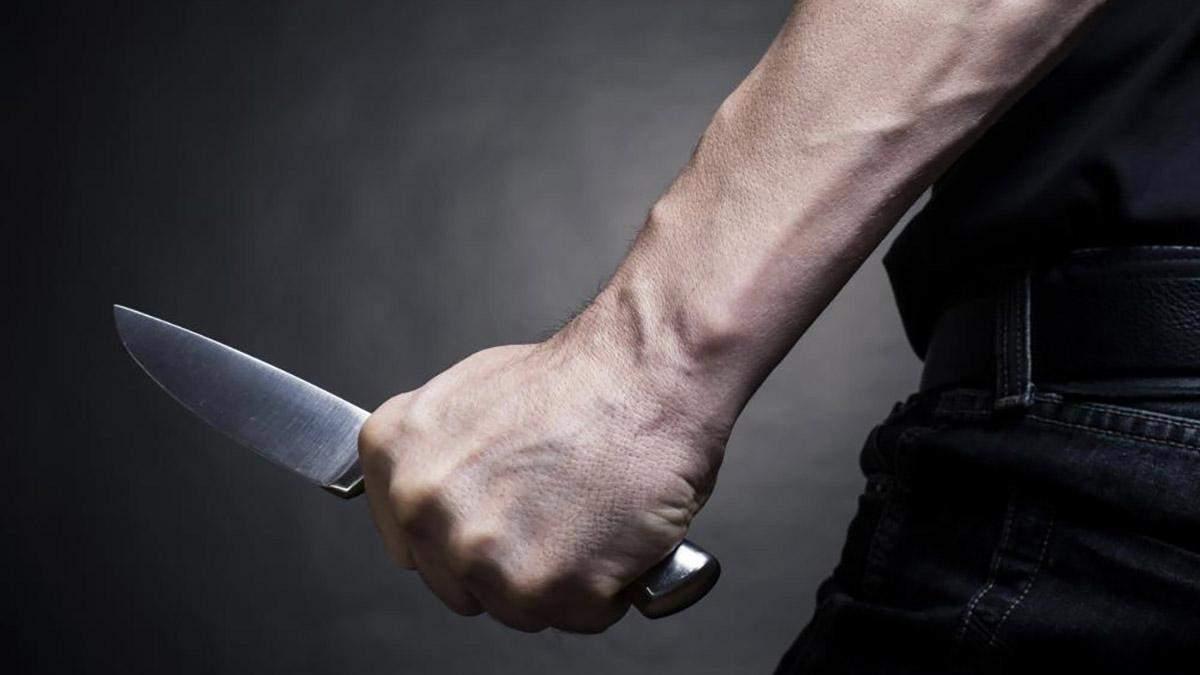 На Херсонщині син зарізав батька та поранив ножем матір: деталі