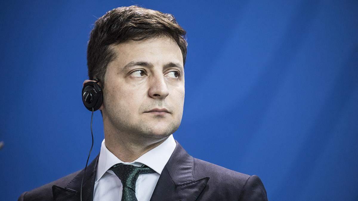 Зеленский анонсировал всенародный опрос во время выборов 25 октября
