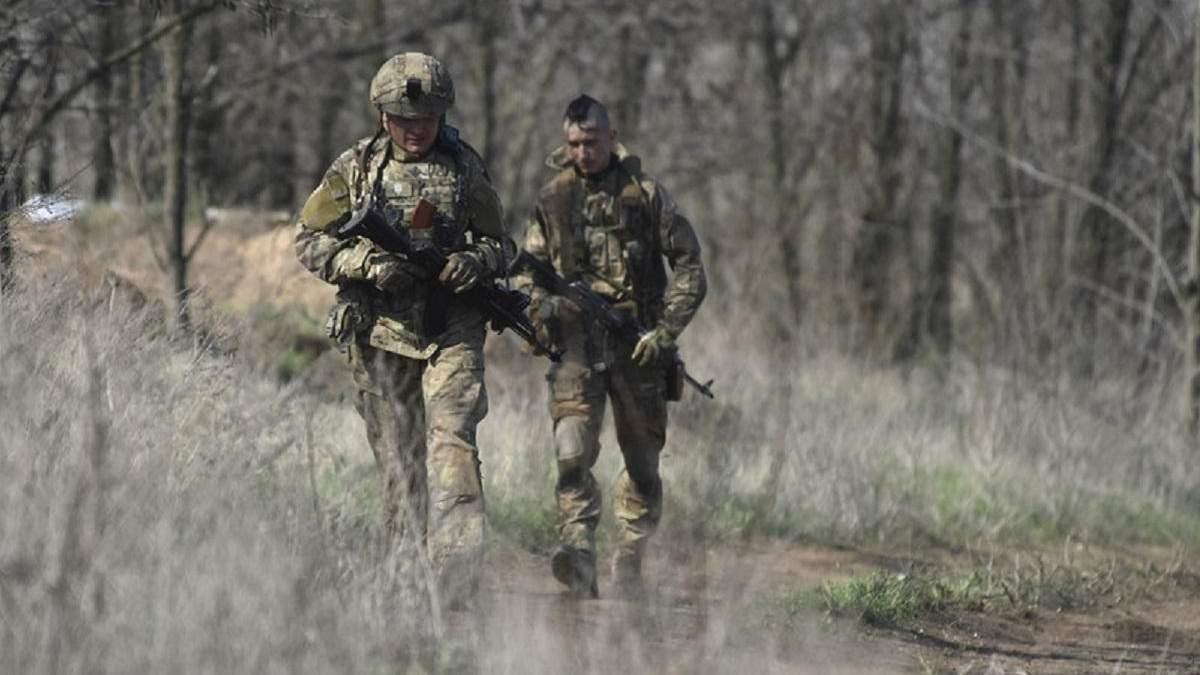 Боевики снова обстреливают украинских бойцов на Донбассе