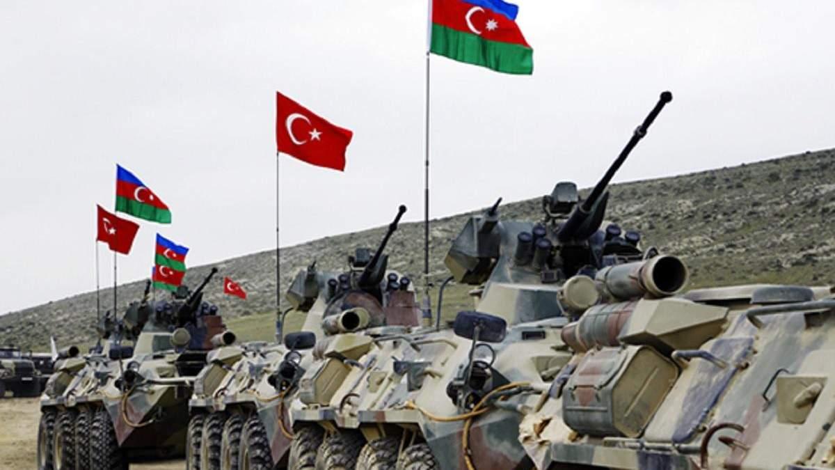 Азербайджанська піхота наступає серед розбитих вірменських танків тіл загиблих: відео (18+)