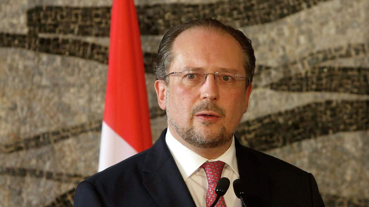 Міністр закордонних справ Австрії заразився COVID-19