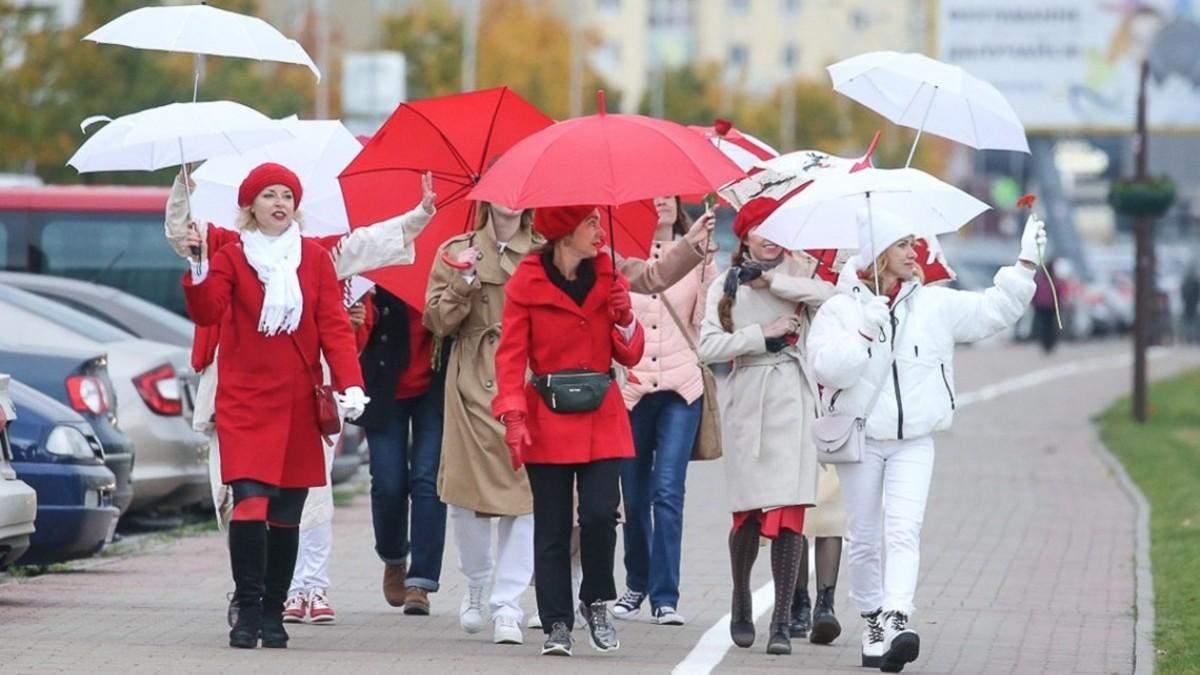 В Минске - марши женщин и студентов: силовики задержали молодежь-видео