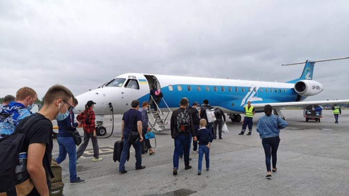Авіакомпанія Роза Вітрів запускає нові рейси: напрями та ціна