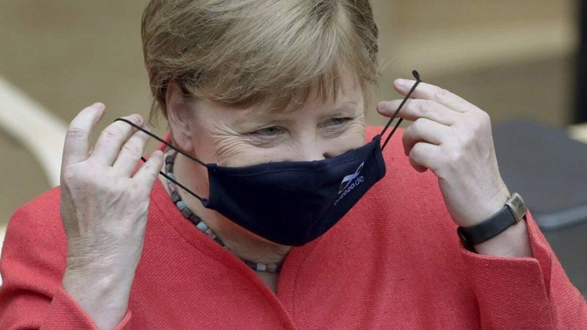 Меркель закликала німців до обмеження контактів