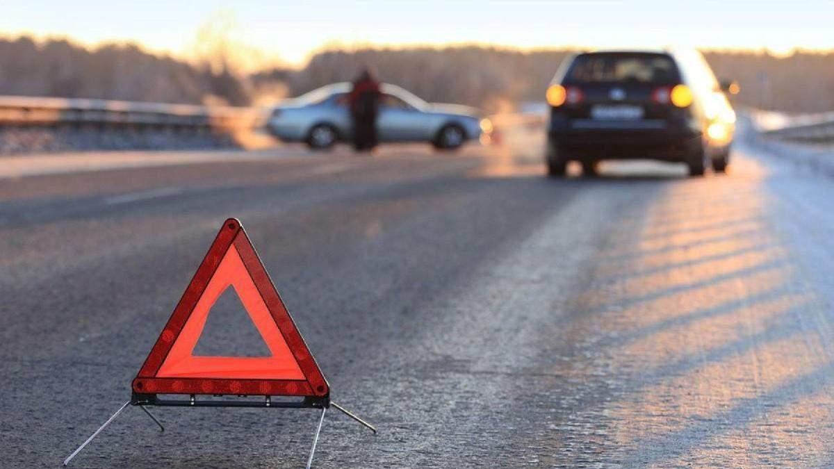 Біля Києва зіштовхнулись 4 автівки: є загиблі – моторошне відео 18+