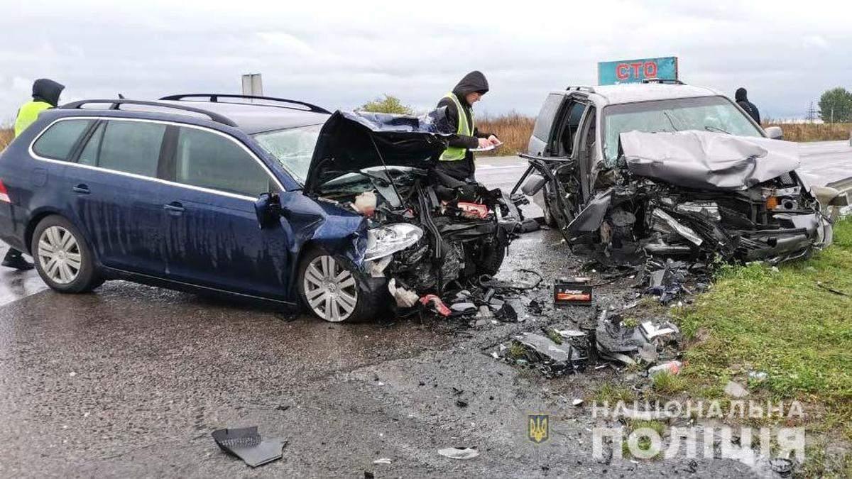 На Рівненщині у ДТП загинула жінка, яку везли до пологового