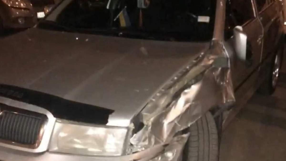 В Киеве пьяный водитель протаранил две машины