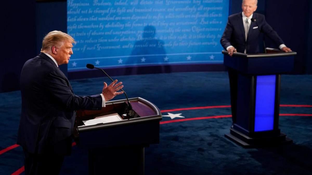 У США змінили правила дебатів, щоб Трамп не перебивав Байдена