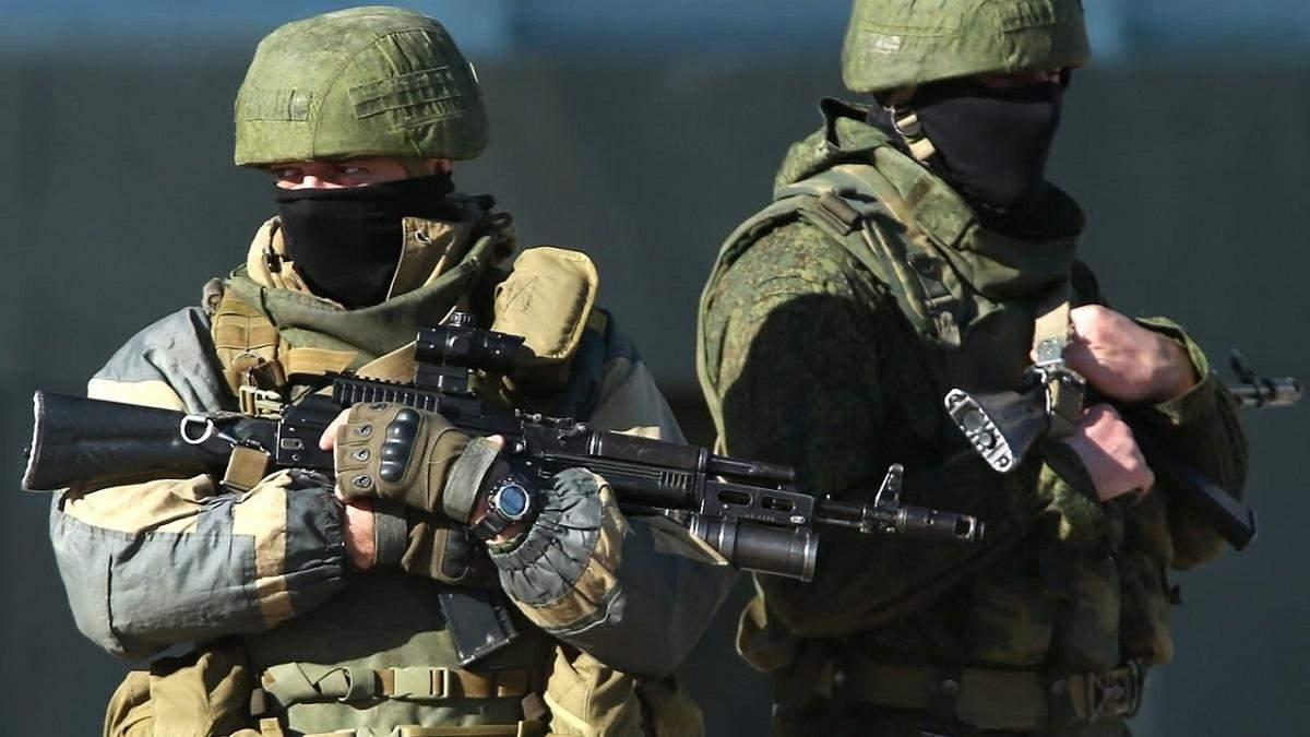 Скільки військових і техніки Росія перекинула в окупований Крим