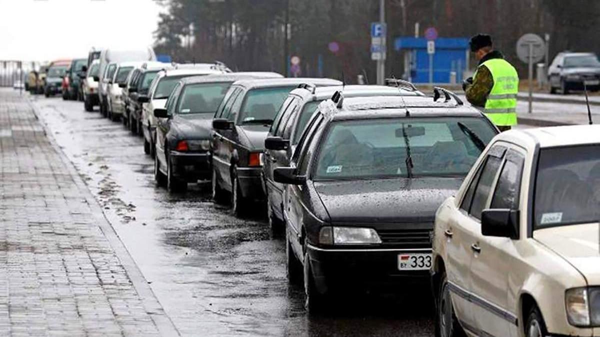 Очередь на границе с Венгрией - более 200 авто