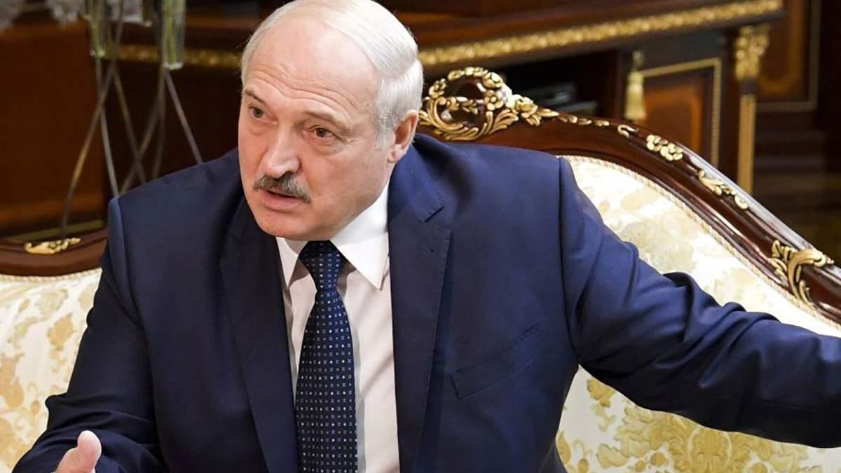 Лукашенко вимагає відрахувати з вишів протестуючих студентів