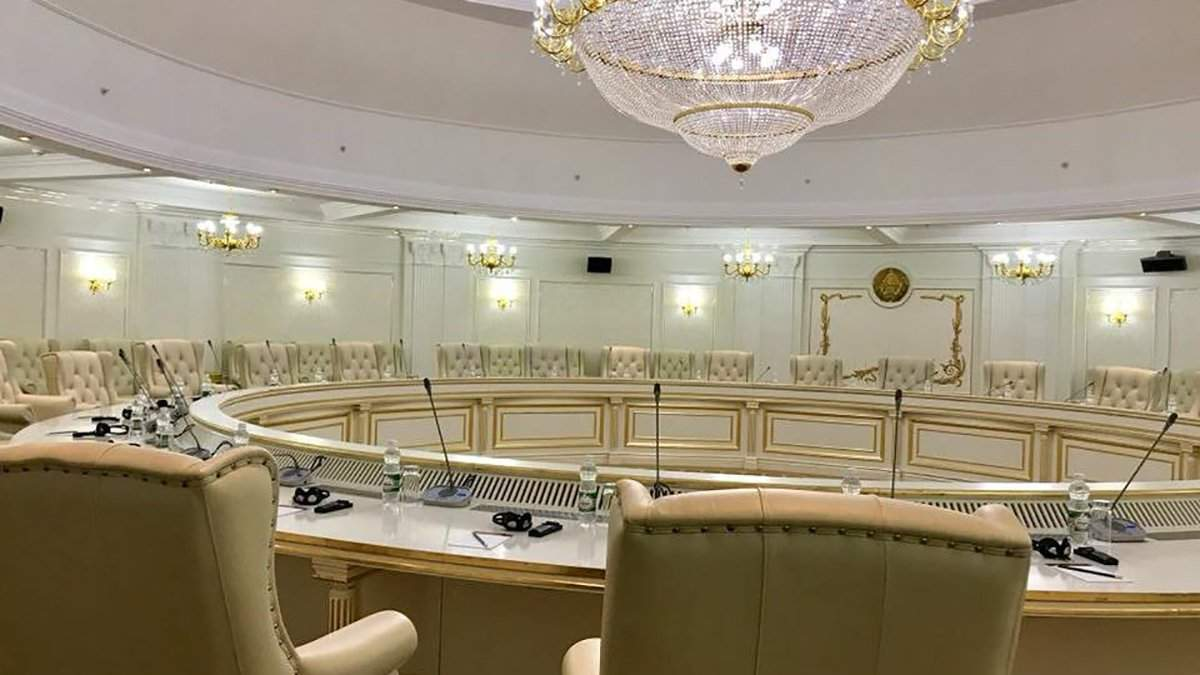 КПВВ на Донбасі та обмін полоненими: про що говорили на засіданні ТКГ