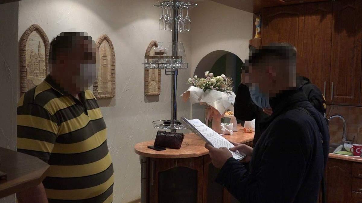 Двоє чоловіків намагалися купити посаду голови поліції Рівенщини