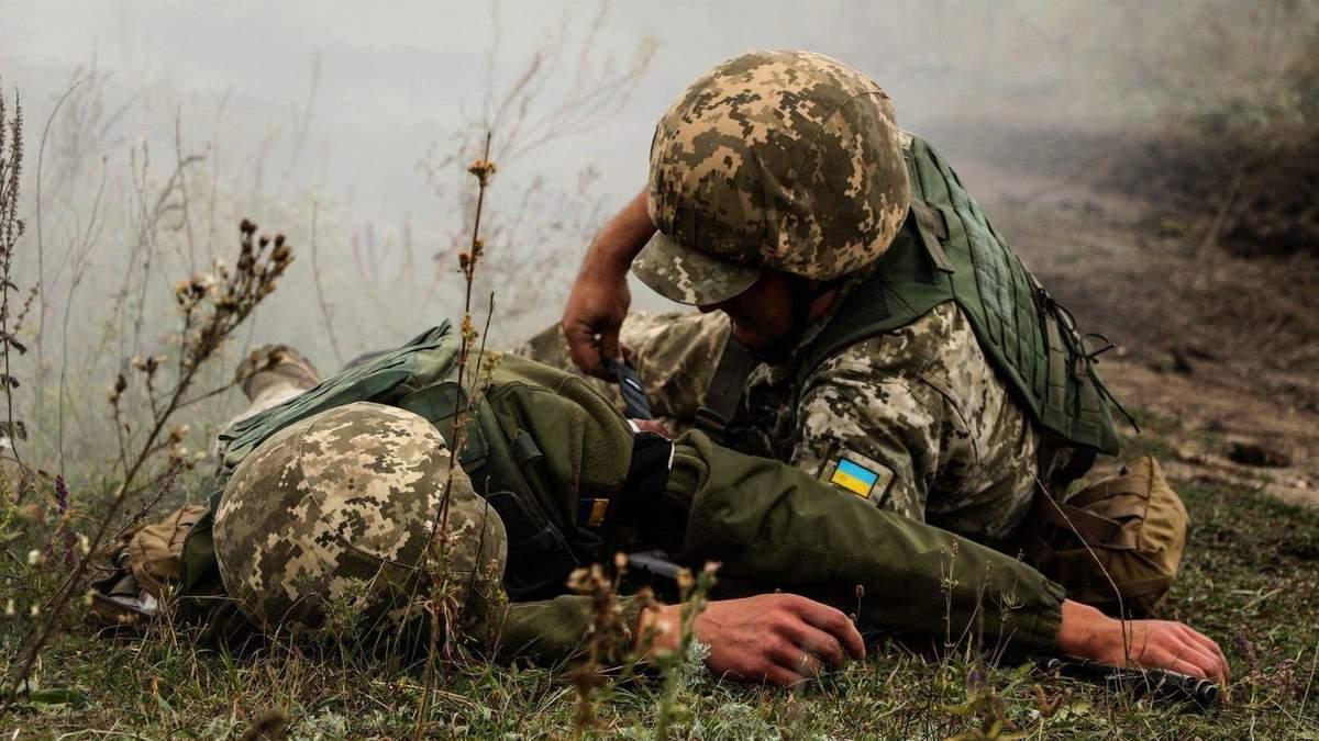 На Донбассе враг ранил двух бойцов ВСУ, Украина требует реакции ОБСЕ
