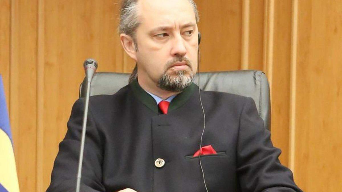 Слиденко подал заявление на увольнение с КСУ после угроз с ОП