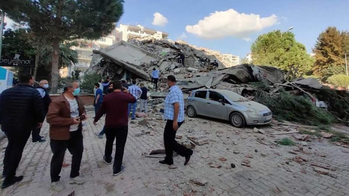 Землетрус в Туреччині 30.10.2020: обвал будинку в Ізмірі