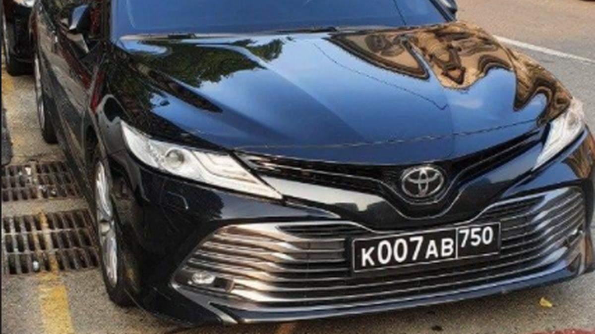 У Києві помітили авто, яке може належати російським військовим