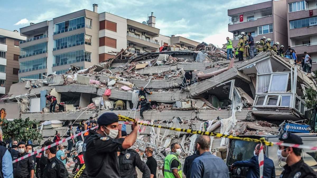 У НАТО та ЄС заявили про готовність допомогти Туреччині після землетрусу на тлі погіршення взаємин