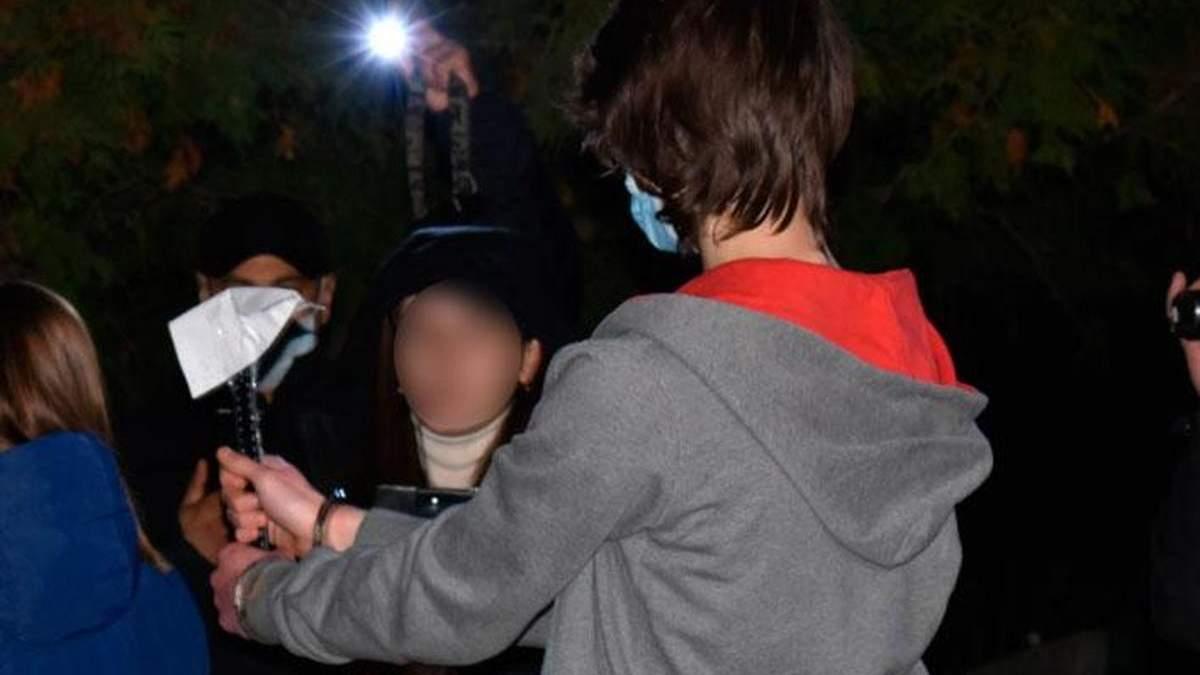 В Миргороде 18-летний парень зарубил несовершеннолетнюю девушку