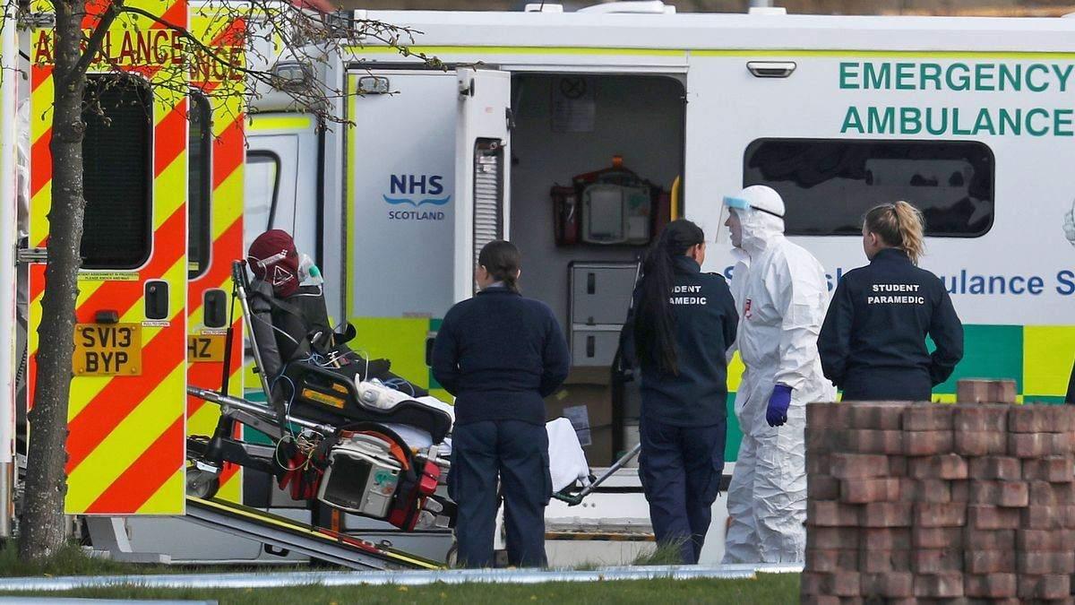 Великая Британия возобновила жесткий карантин: что запретят