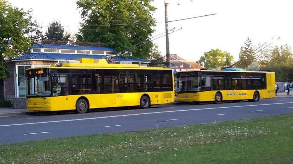 У Сумах пасажир побив водія тролейбуса, бо той не хотів зупинитися
