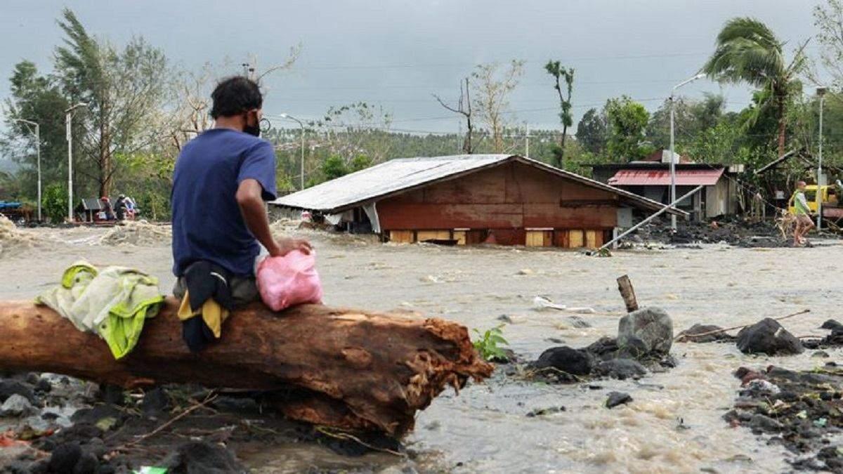 Тайфун Гоні накрив Філіппіни 1 листопада 2020: відео