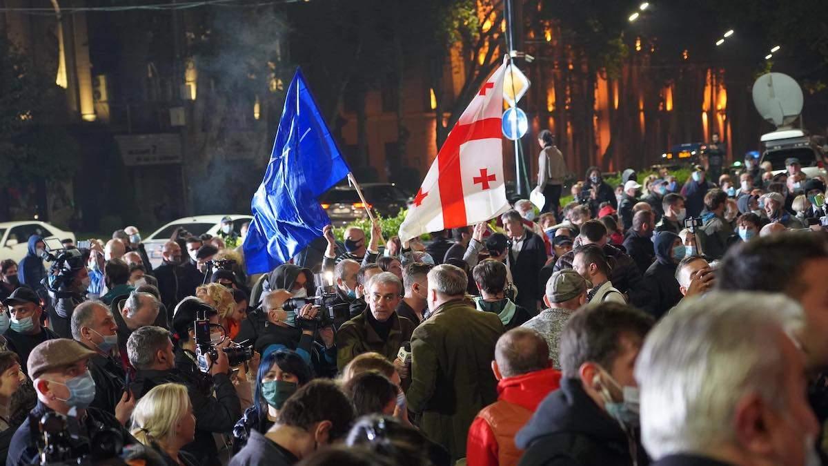 Выборы в парламент Грузии 2020: начались протесты – оппозиция поставила палатки