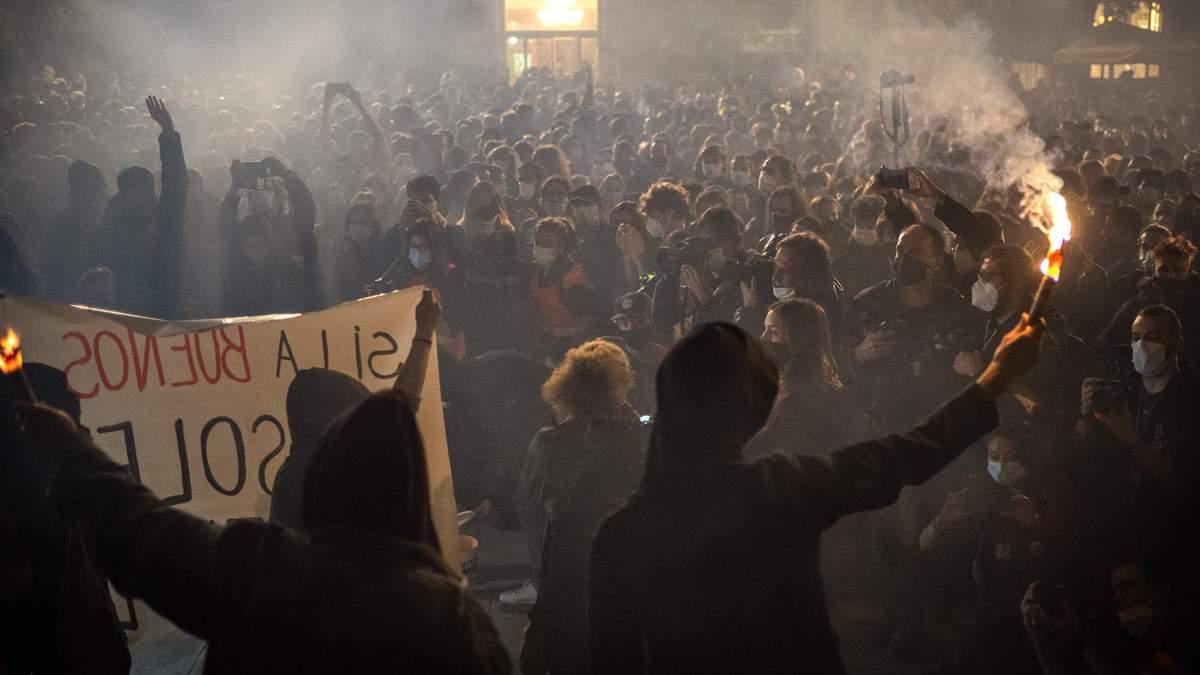 Похоронные бюро в Испании протестуют из-за COVID-19: что известно
