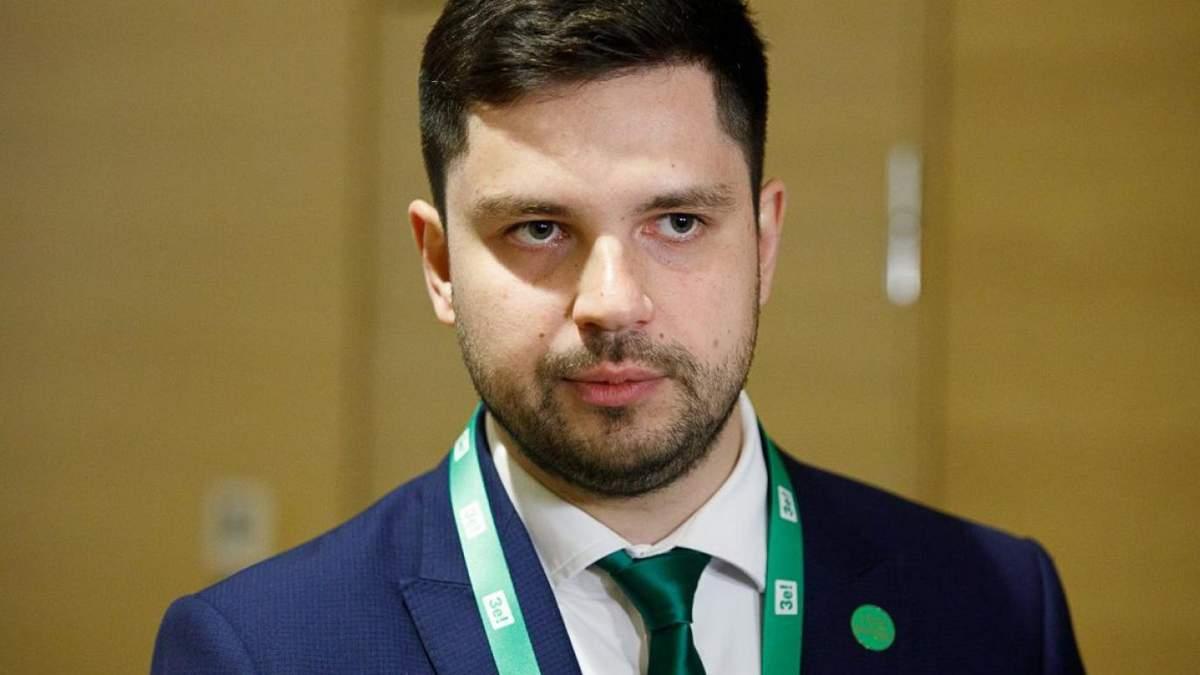 Сложение полномочий судей КСУ и роспуск Рады: Качура объяснил, возможно ли это