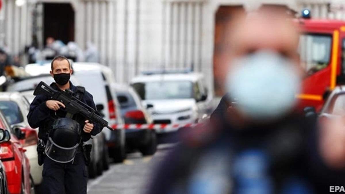 Теракт у Ніцці: біля Парижа затримали вже п'ятого підозрюваного