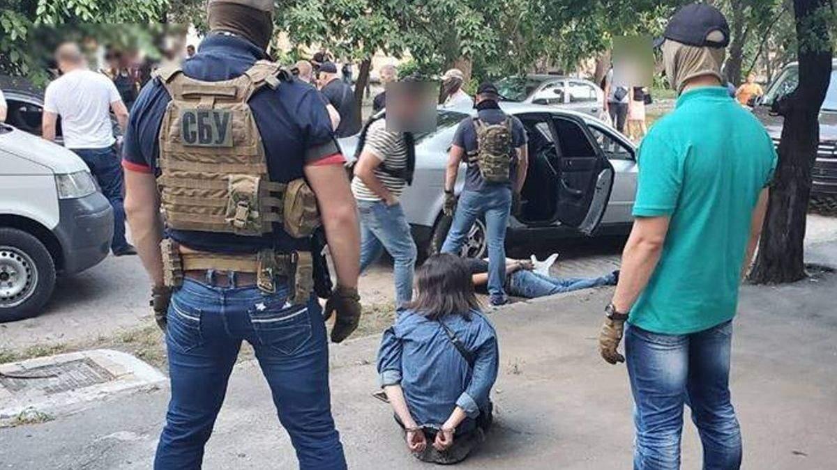 В Одесі розбійники викрадали чоловіків: їх виманювала дівчина
