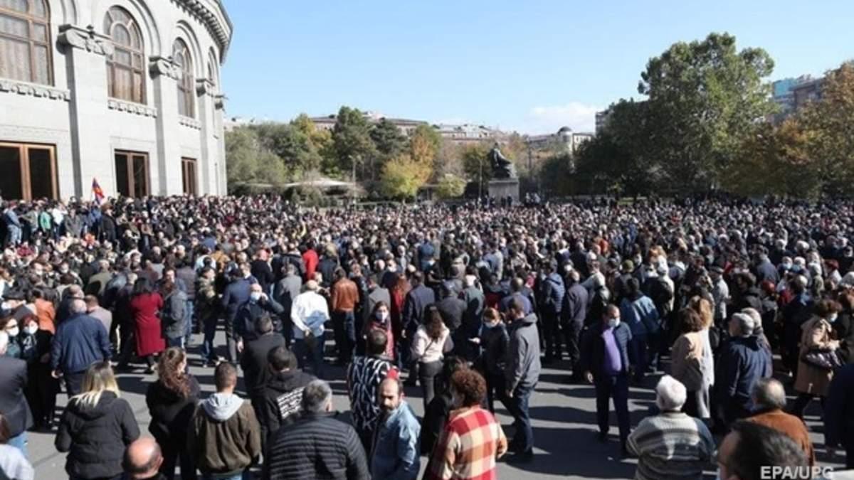Опозиція Вірменії об'єдналась і вимагає відставки прем'єра Пашиняна