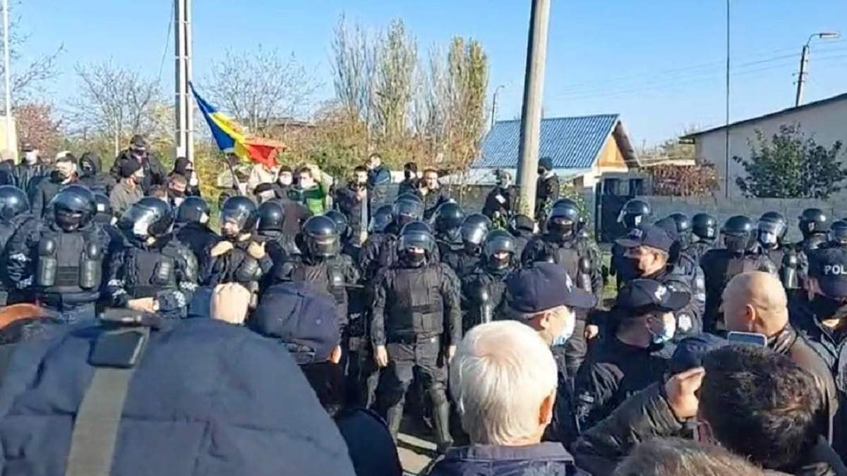 На пункте пропуска Молдовы с Приднестровьем конфликты: фото