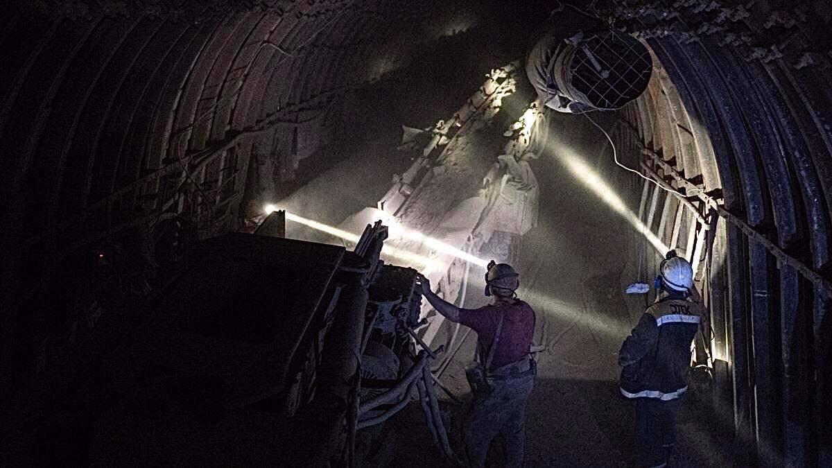На шахті імені Героїв космосу в Павлограді стався вибух метану: усі деталі