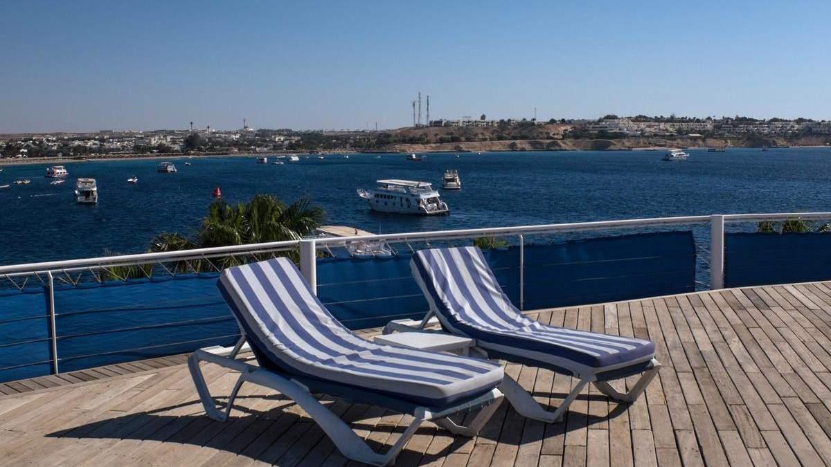 У Єгипті через COVID-19 майже нема відпочивальників: готелі закривають