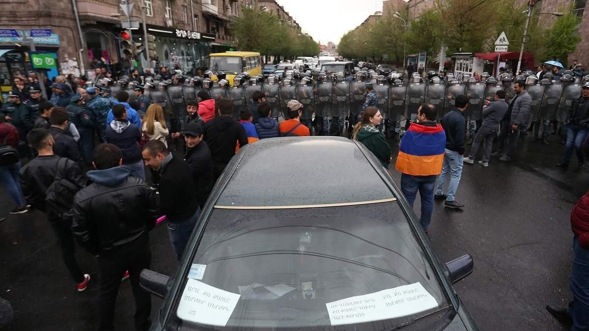 Протесты в Ереване: полиция задержала несколько десятков человек