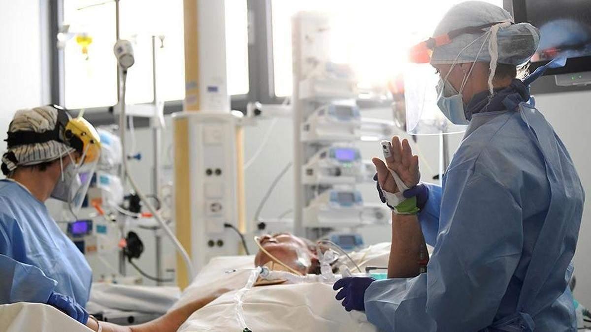 В Черкассах на защите для медиков разворовали более 2 миллионов