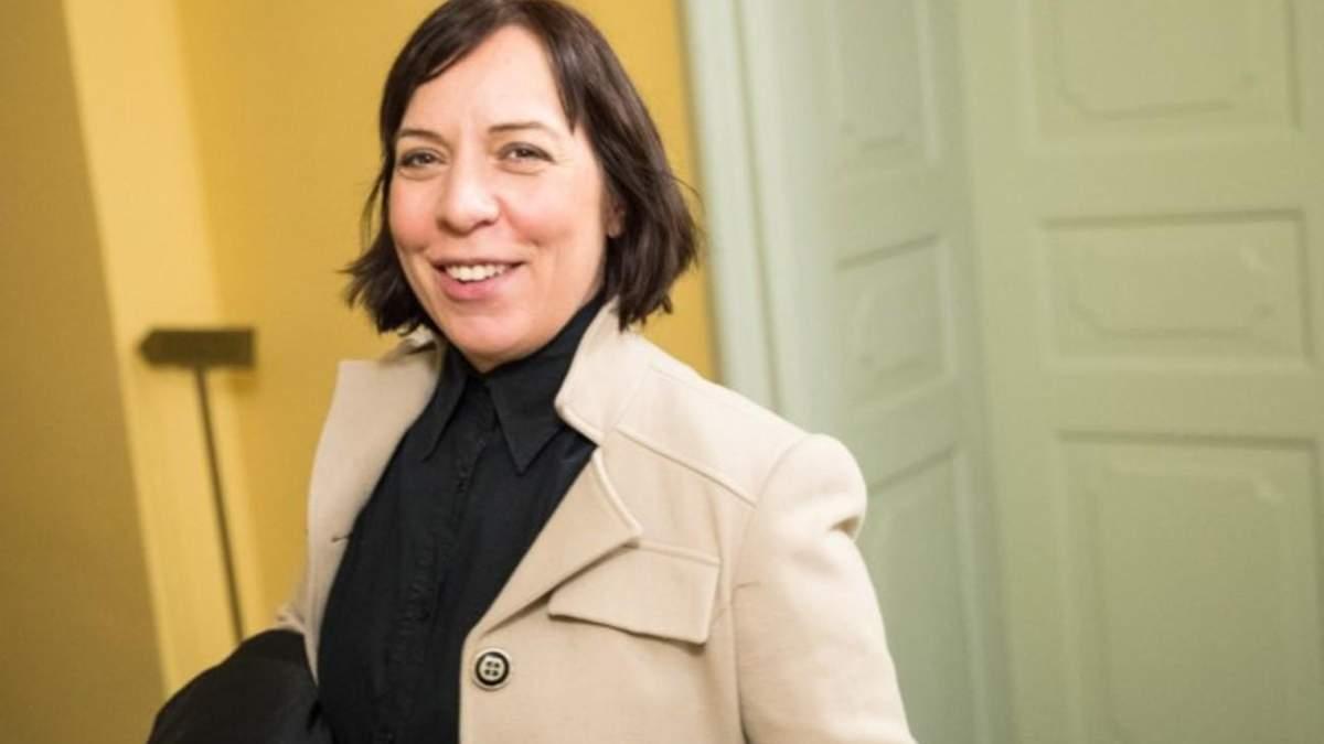 В Естонії міністерку Кальюлайд звільнили через службову автівку