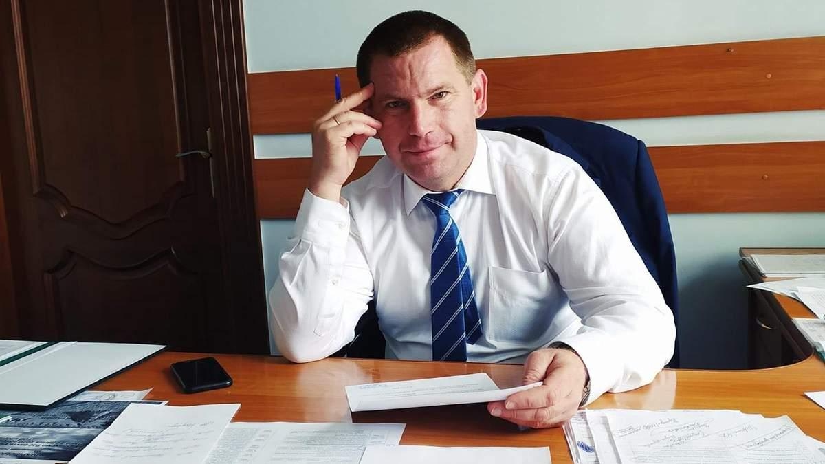 Зеленський звільнив затриманого на хабарі очільника Чернігівської РДА Сергія Журмана
