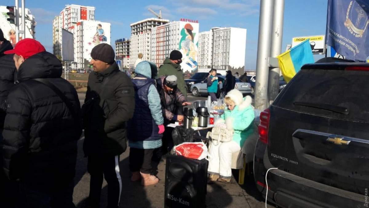 Работники 7 километра в Одессе протестуют против локдауну на выходных
