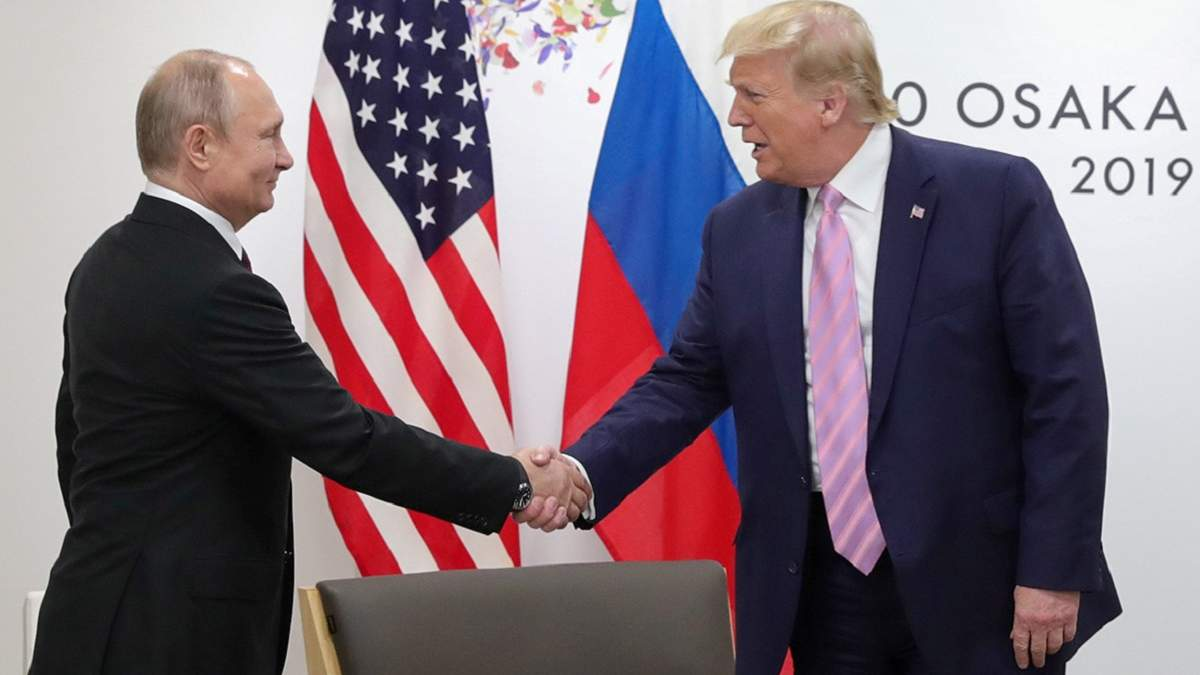Володимир Путін поки не збирається вітати суперника Трампа з перемогою