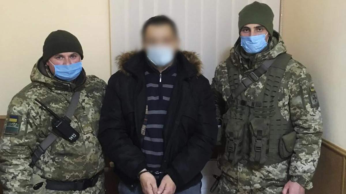 Подозреваемого в изнасиловании, которого разыскивали 4 года, пограничники задержали на границе с Россией